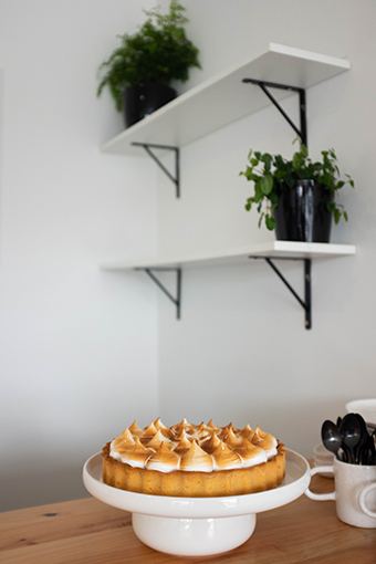 The lemon meringue cake.