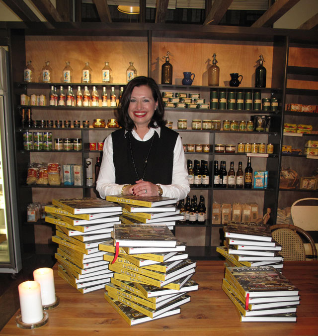 Elizabeth Lind at the launch of her book La Cigale