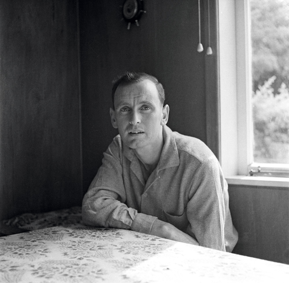 Maurice Gee in 1959: his first author photo (and photographer Marti Friedlander's first portrait)
