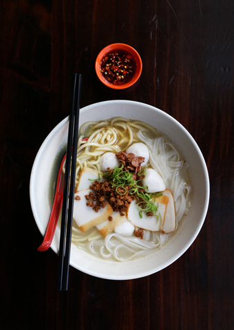 Kway teow mee at Mamak. Photo/William Chen.