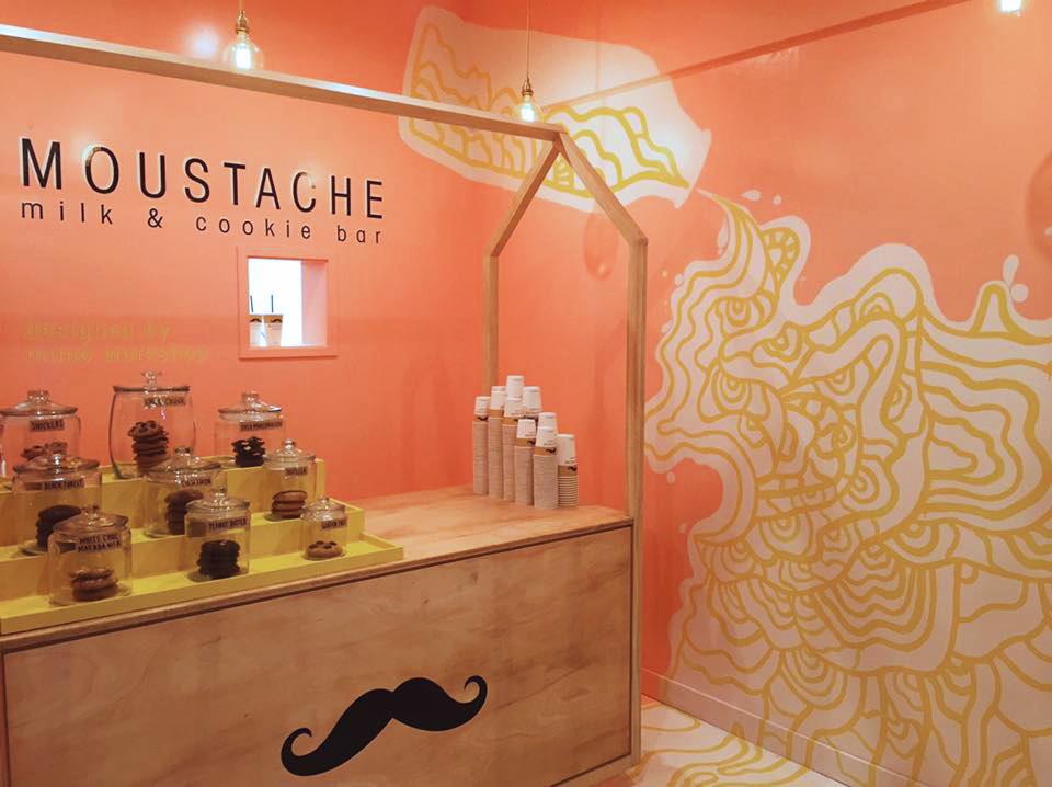 Moustache-cookie-bar