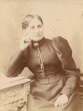 Elizabeth Yates.