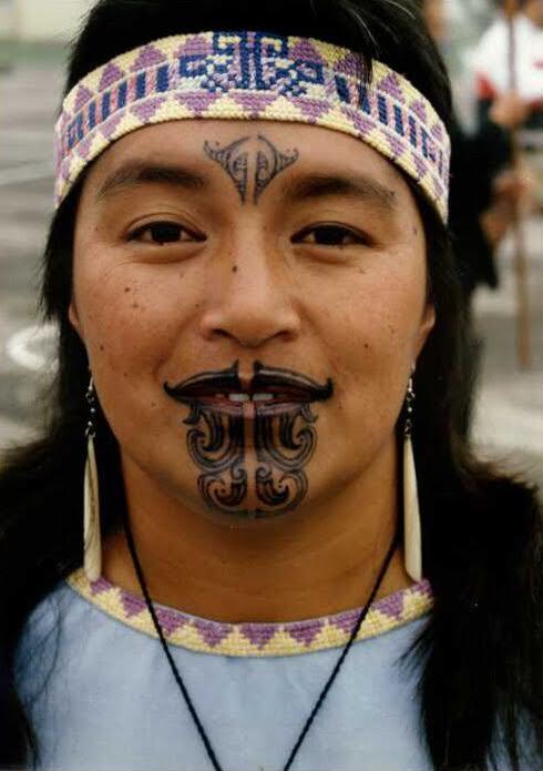 Mother before Maori Queen performance