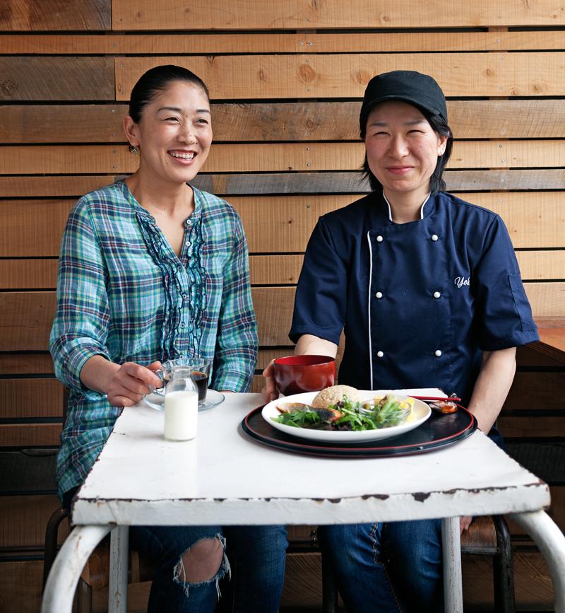 Mayumi Abe & chef Yoko at Mimosa cafe.