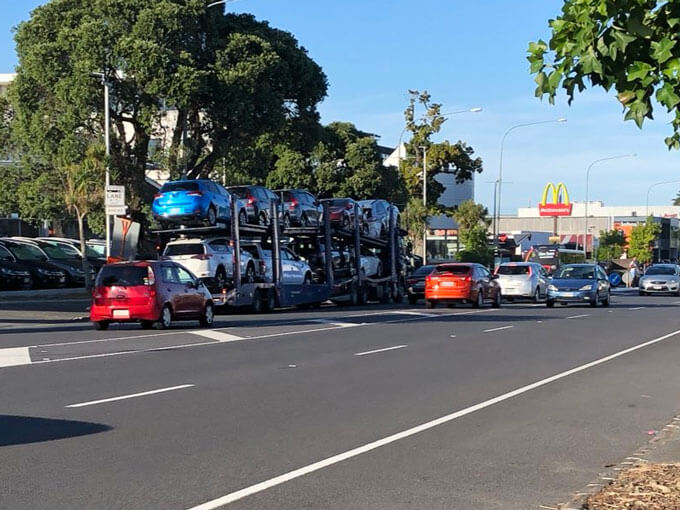 Trucks parking illegally along Great North Rd have little other choice, owner says