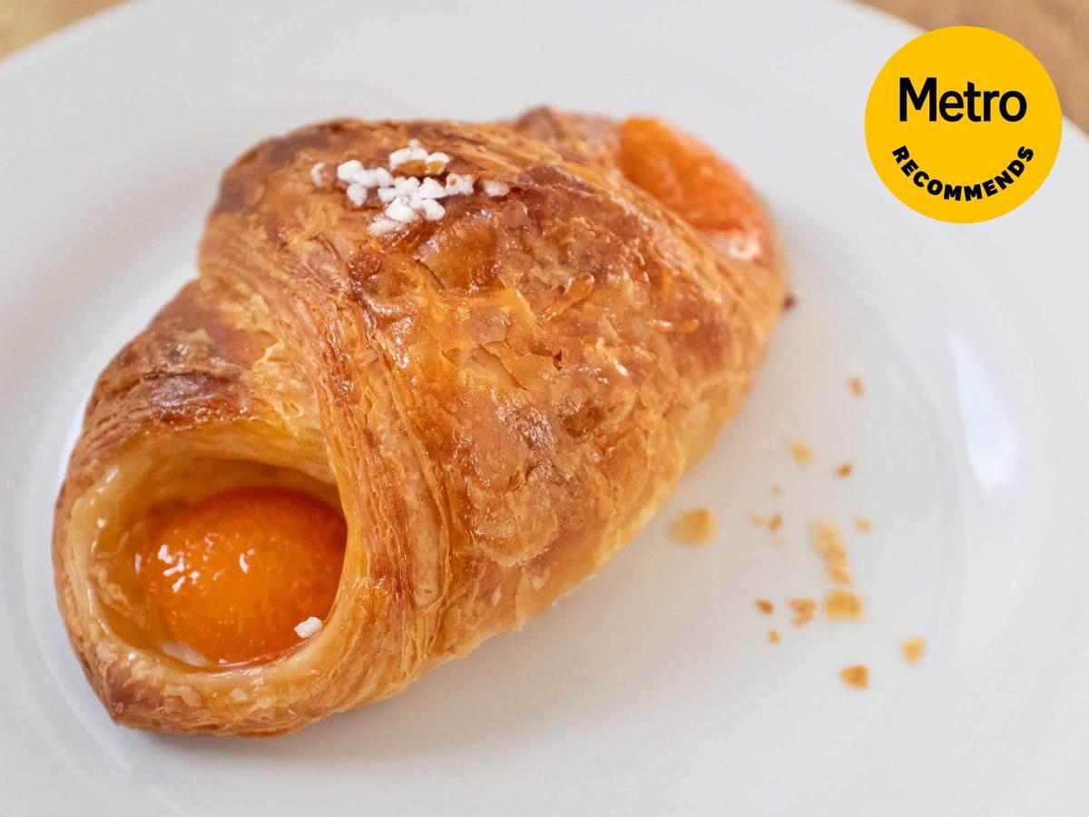 Metro Recommends: La Voie Française Abricot pastry